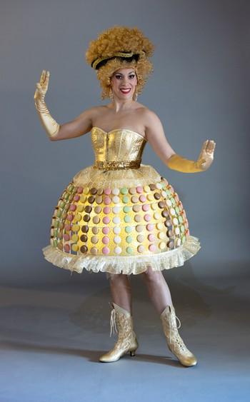 Robe Macaron dorée éclairée