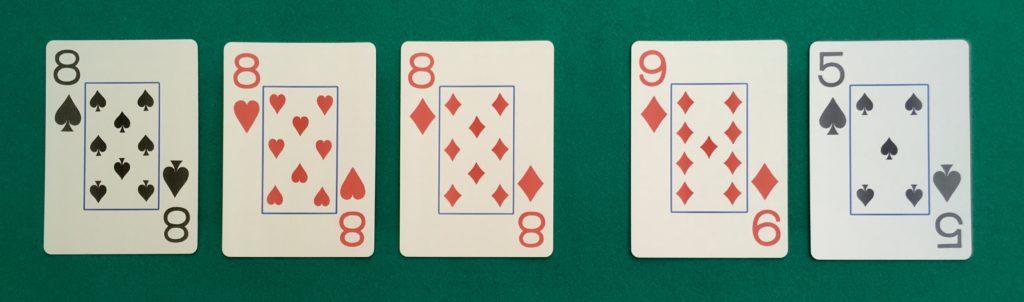 Main Poker Brelan